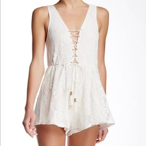Sleeveless Lace-Up Lace Romper
